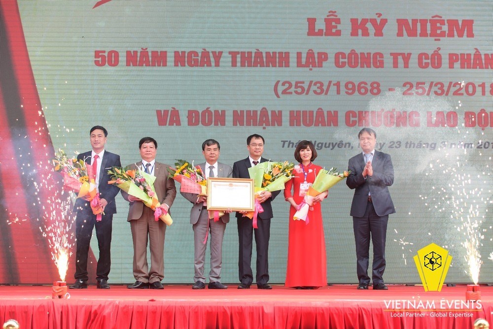 The celebration of 50th anniversary foundation of FUTU1 and recieving First Class Labor Medal