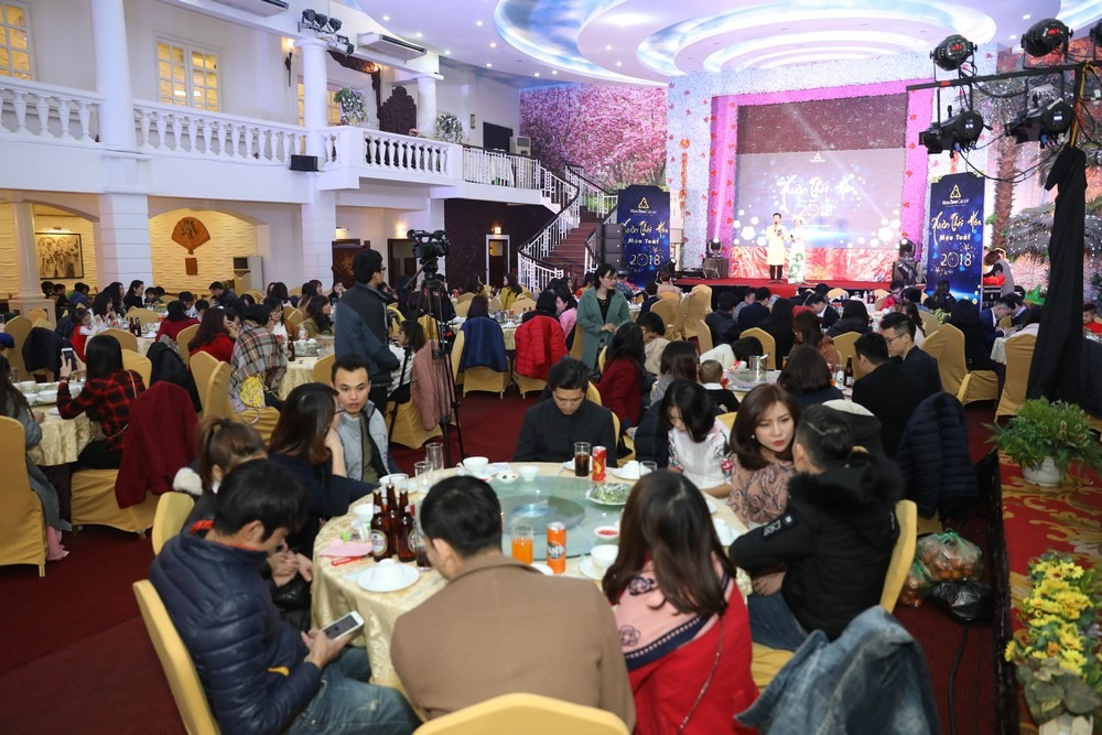 Hoabinh Group's Year End party 2018