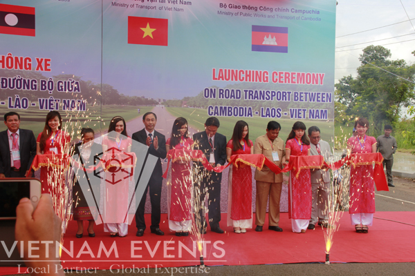 VietnamEvents supported the launching ceremony of road transport between Laos, Cambodia and Vietnam